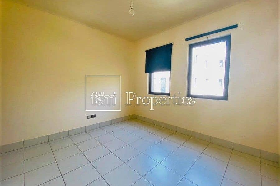 12 BEAUTIFUL 1 BED   COMMUNITY VIEW   QUITE
