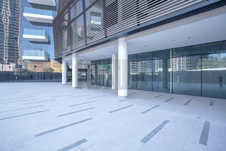 Shop for Rent in Business Bay, Dubai - Upscale Retail Space | Road Facing | Central Location