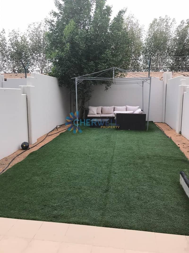 10 Luxurious Villa | Upgraded Kitchen | Double Row | Landscape Garden