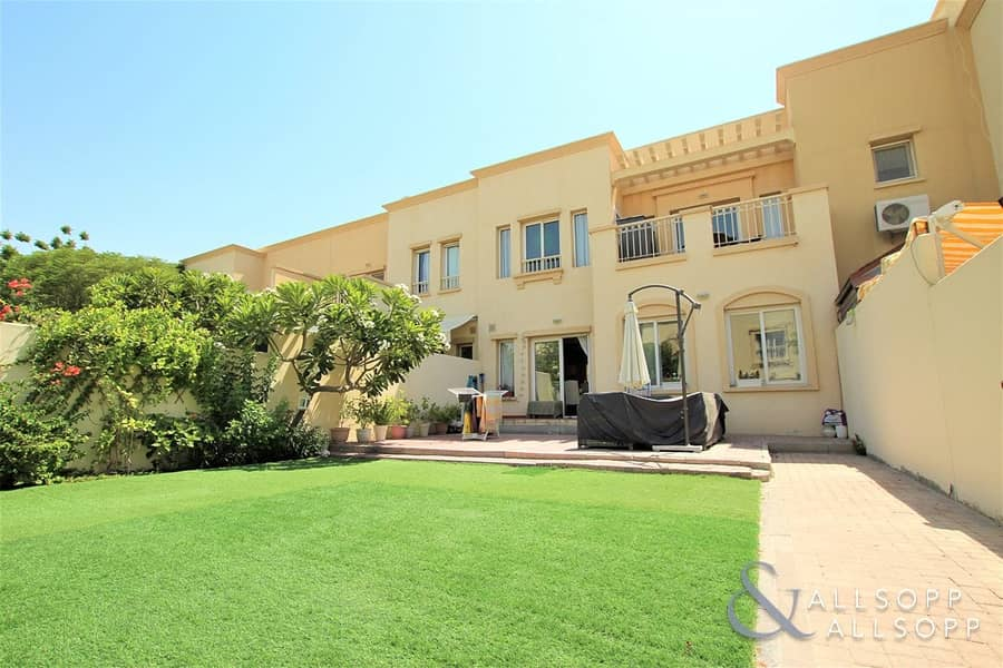 2 Exclusive | 3 Bedroom | Near Pool and Park