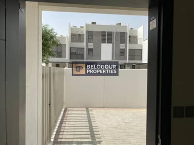 3 Bedroom Townhouse for Rent in Akoya Oxygen, Dubai - Near to Entry Exit / 3bed+Maid Townhouses  Akoya Oxygen / 65000/ 4 Cheques