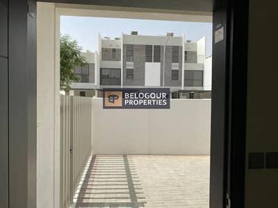 تاون هاوس 3 غرف نوم للايجار في أكويا أكسجين، دبي - Near to Entry Exit / 3bed+Maid Townhouses  Akoya Oxygen / 65000/ 4 Cheques