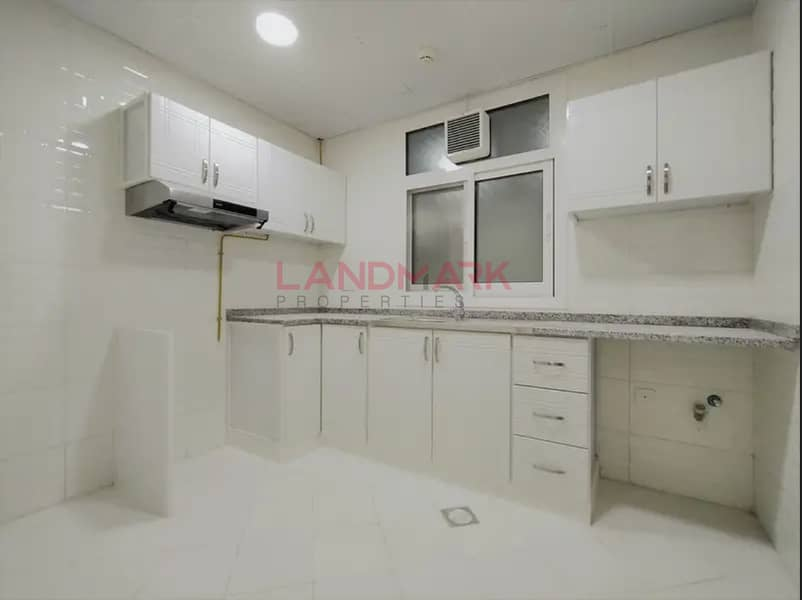 2 1 Month free   Large 939 sq ft 1 BR