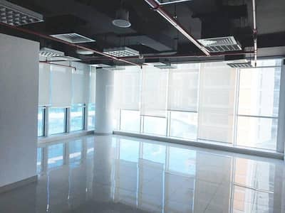 مکتب  للايجار في الخليج التجاري، دبي - Spacious Office | Fitted | with Pantry | Business Bay
