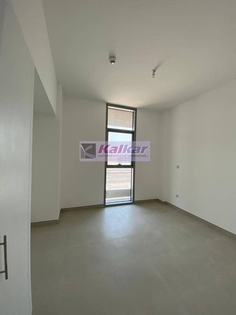 2  The Pulse @ DUBAI SOUTH - in a brand new building with all Facilities AED.50 K