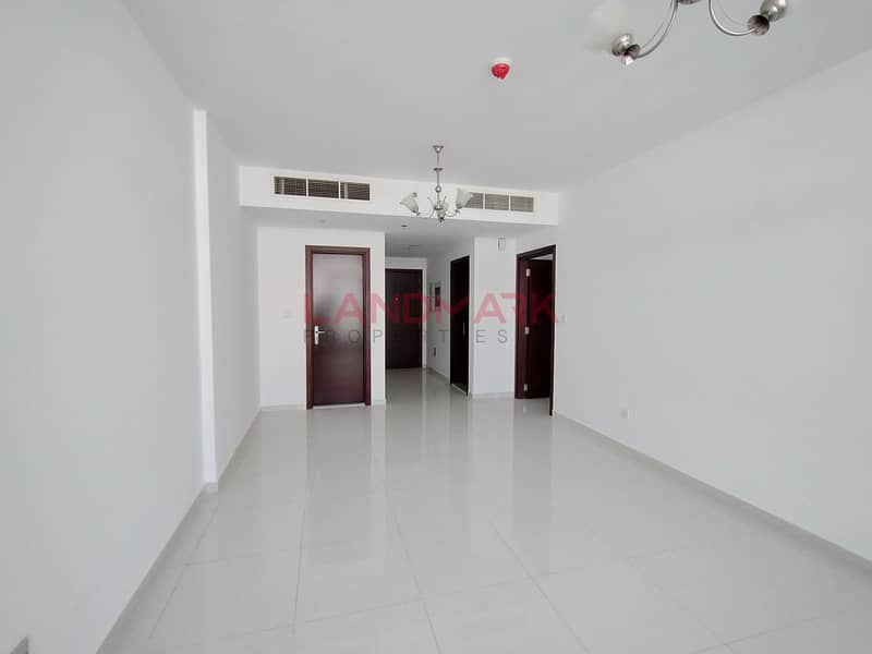 HOT DEAL Decent size 1 BHK Closed Kitchen in IC phase 2