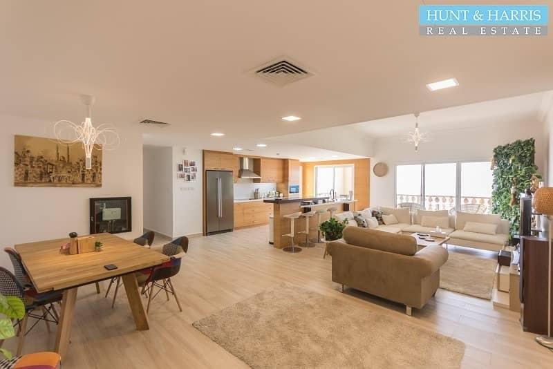 Amazing Upgrades - Executive Apartment - Stunning Views!