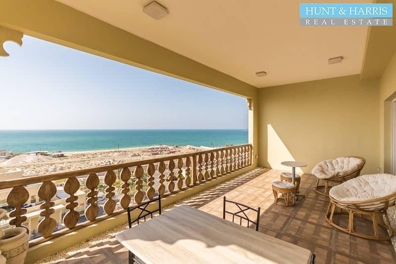 2 Amazing Upgrades - Executive Apartment - Stunning Views!