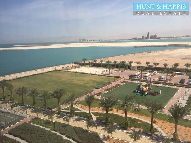 Luxurious Living - One Bedroom Apartment - Sea Views