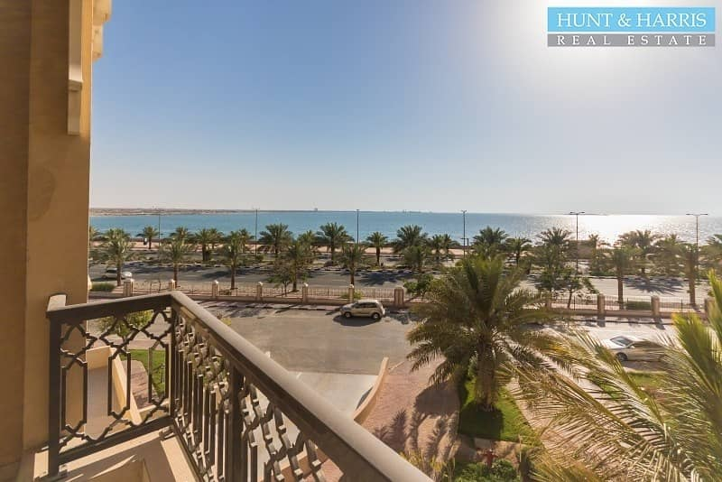 Spacious One Bedroom Apartment with Views over the Gulf