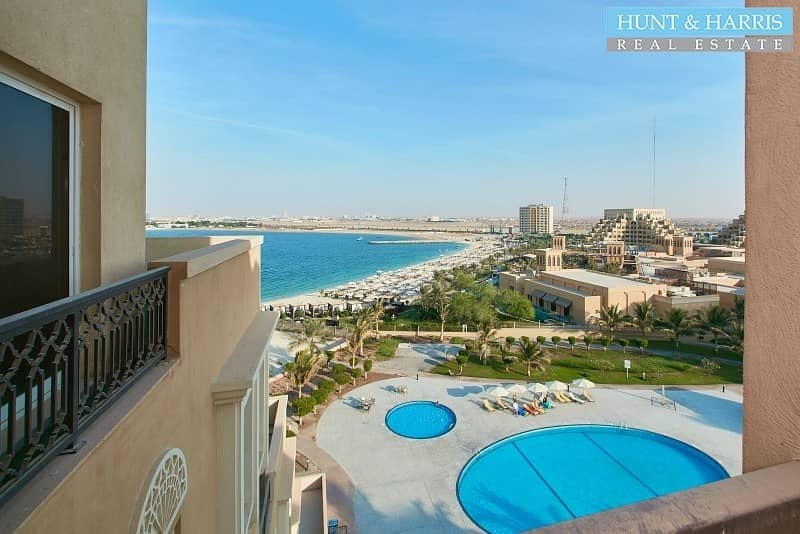 14 Spacious One Bedroom Apartment with Views over the Gulf