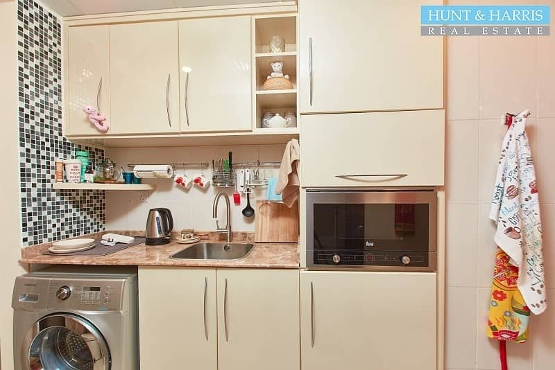 2 Upgraded Kitchen - Fully furnished - Golf Course View