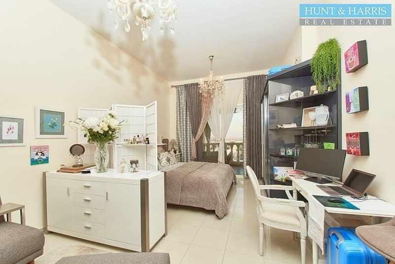 Upgraded Kitchen - Fully furnished - Golf Course View