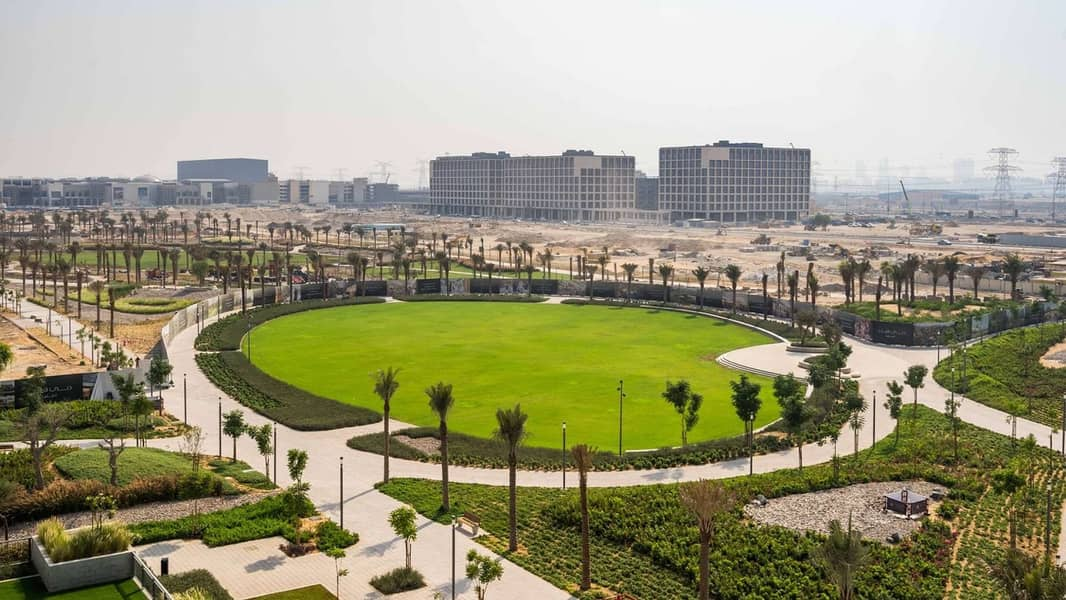 2 10 MINS MALL OF EMIRATES | GOLF COURSE| EMAAR