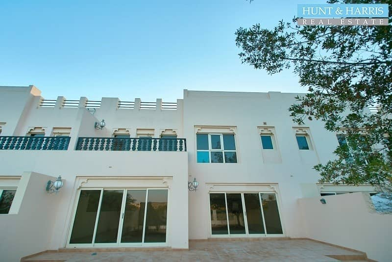 Three Bedroom Townhouse - Stunning Family Home - VACANT