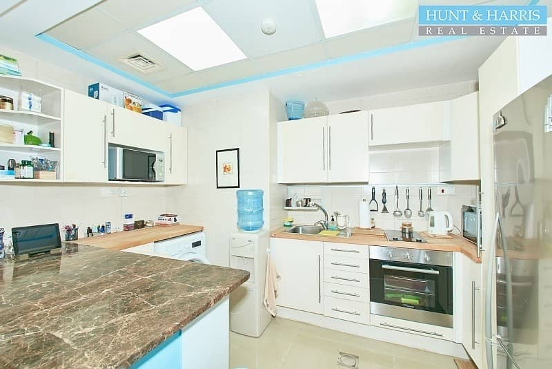 2 Price Drop - Affordable & Upgraded Luxury Marina Apartment