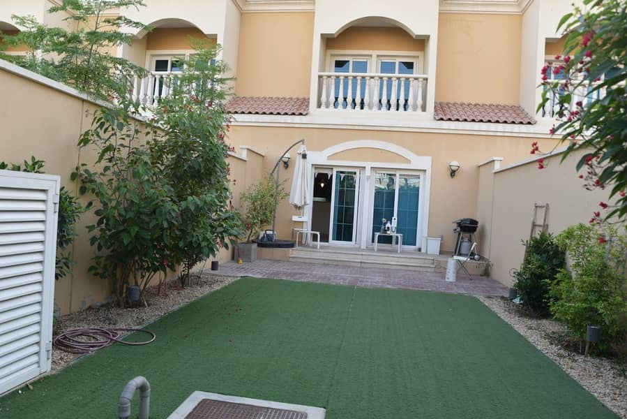 2 MK | Exclusive | 1 bed Townhouse  fabulous unit well maintained