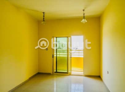 1 Bedroom Flat for Rent in Al Jurf, Ajman - Apartment for rent consisting of one room, hall, two bathrooms, balcony, private parking and free month