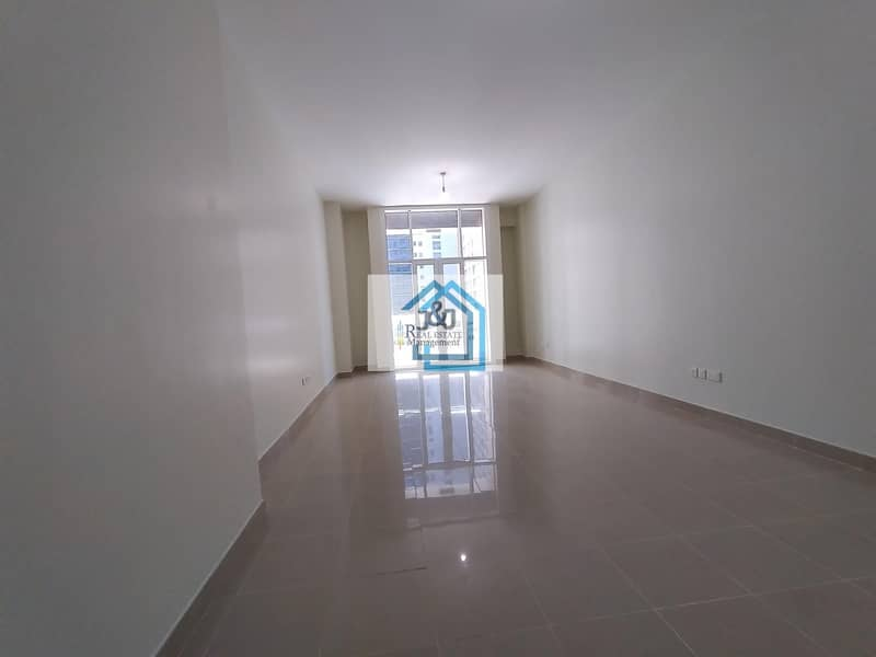Spacious 2 Bedroom 3 Bathrooms With Facilities at Al Muror