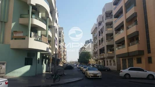 Studio for Rent in Deira, Dubai - unbeliveable low Price for Studio with 1 Month Rent Free