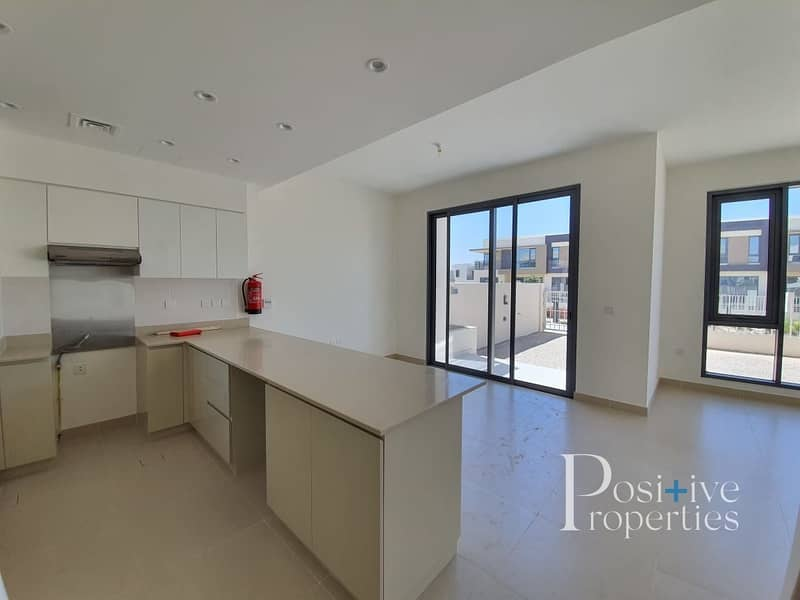2 Genuine Pool and Park View   Near entrance   3M