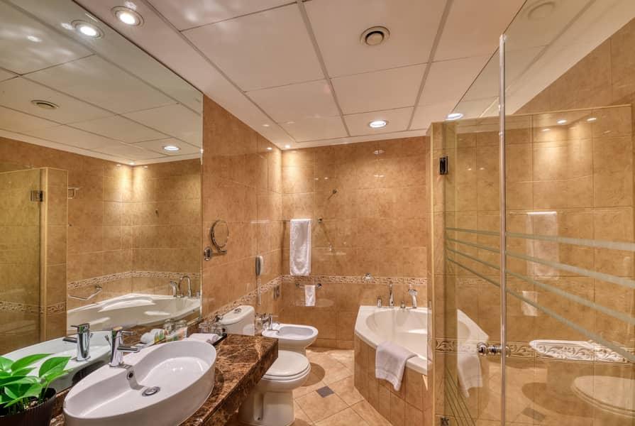10 Vanity room