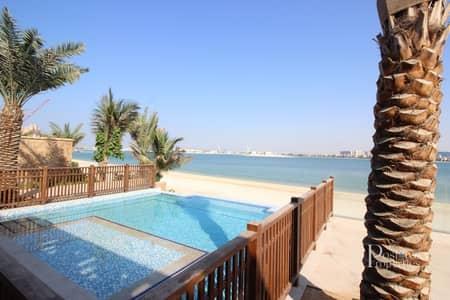 فیلا 5 غرف نوم للبيع في نخلة جميرا، دبي - Stunning Beach Front Villa amazing views