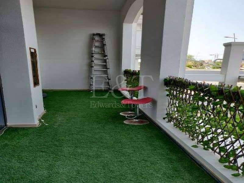 2 Ready to move | Spacious terrace | Community view