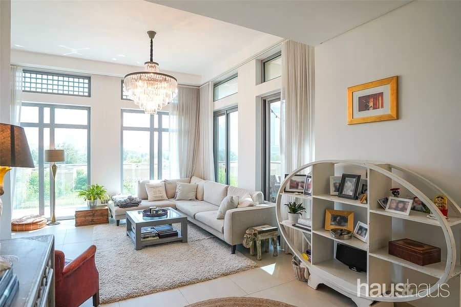 A Must See   Unique Townhouse   Renovated