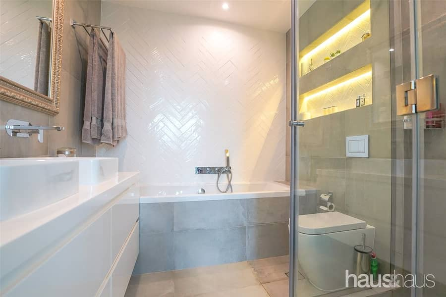 10 A Must See   Unique Townhouse   Renovated