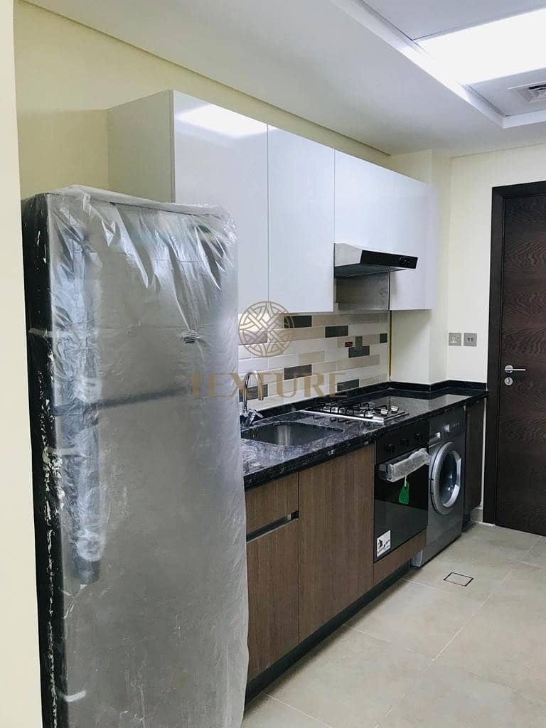 2 Chiller Free & Furnished | Builtin Kitchen Appliances