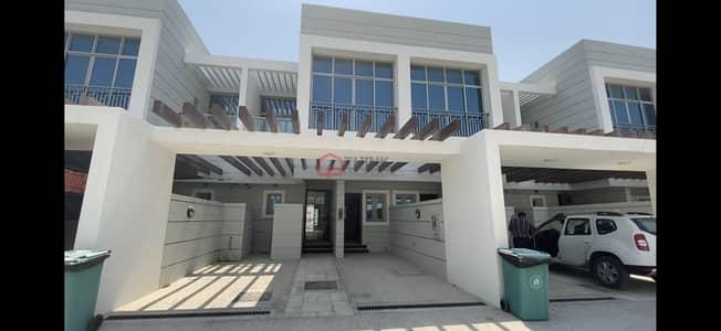 تاون هاوس 3 غرف نوم للبيع في الفرجان، دبي - Multiple Units | Vacant and Elegant Townhomes