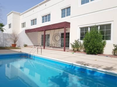 6 Bedroom Villa for Rent in Jumeirah, Dubai - BEAUTIFUL UPGRADED 5 BEDROOM VILLA WITH PRIVATE POOL & GARDEN.