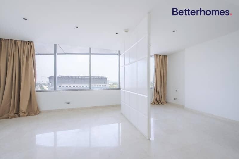 2 Large Studio   Balcony   Modern and Stylish