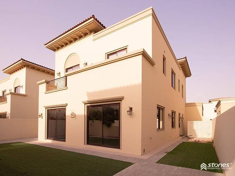Spacious and Well Maintained Villa with Park View