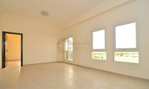1 Bedroom Flat for Rent in Remraam, Dubai - Large private terrace| Close Kitchen | Thamam