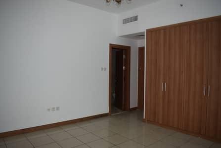 شقة 1 غرفة نوم للايجار في دبي مارينا، دبي - شقة في برج سلافة دبي مارينا 1 غرف 53000 درهم - 4609078