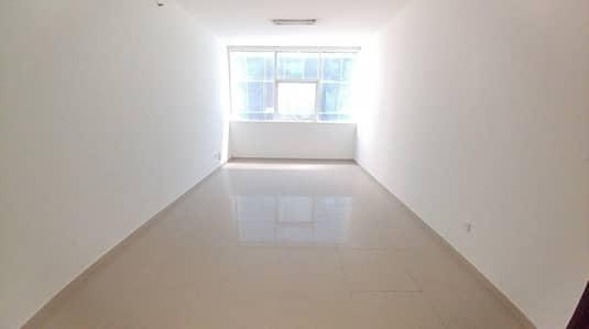 استوديو  للايجار في النهدة، الشارقة - شقة في النهدة 18000 درهم - 4661423