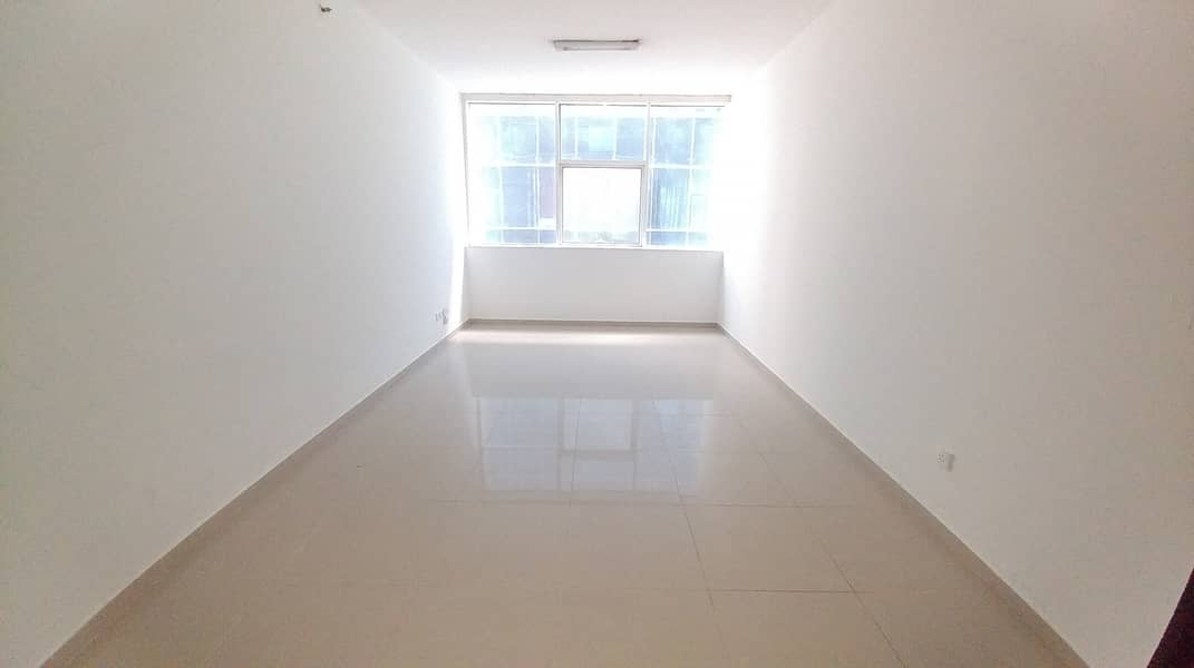 HUGE STUDIO AVAILABLE ONLY ON 18K