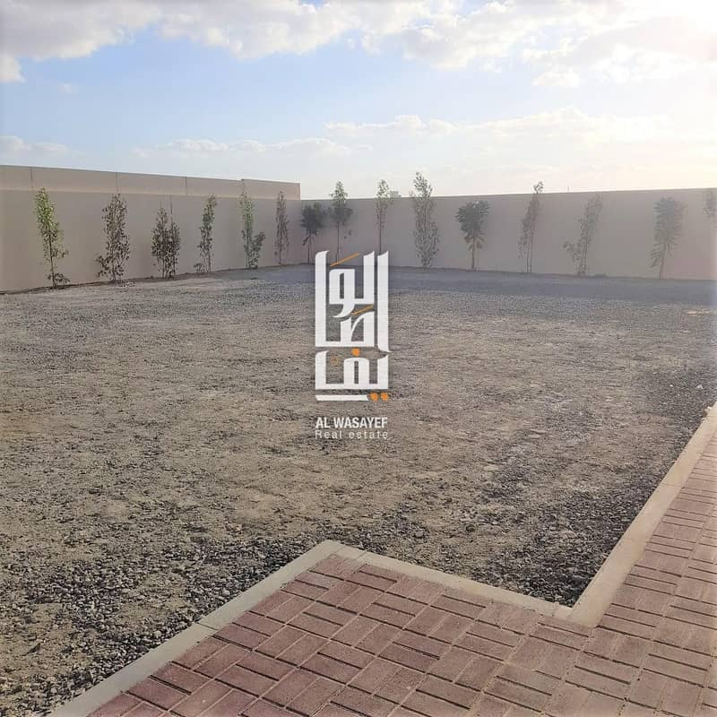 23 BRAND NEW FACTORY AVAILABLE NEAR THE AIR DUBAI INDUSTRIAL CITY