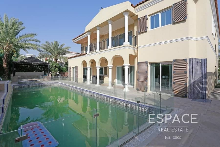 2 Quality Furnishing | Private Pool | 5 Bed