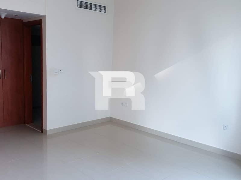 2 High Quality 1 Bedroom in DIFC Pool View