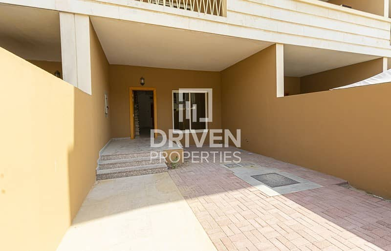 2 Magnificent 4 Bed Townhouse plus Maid's Room