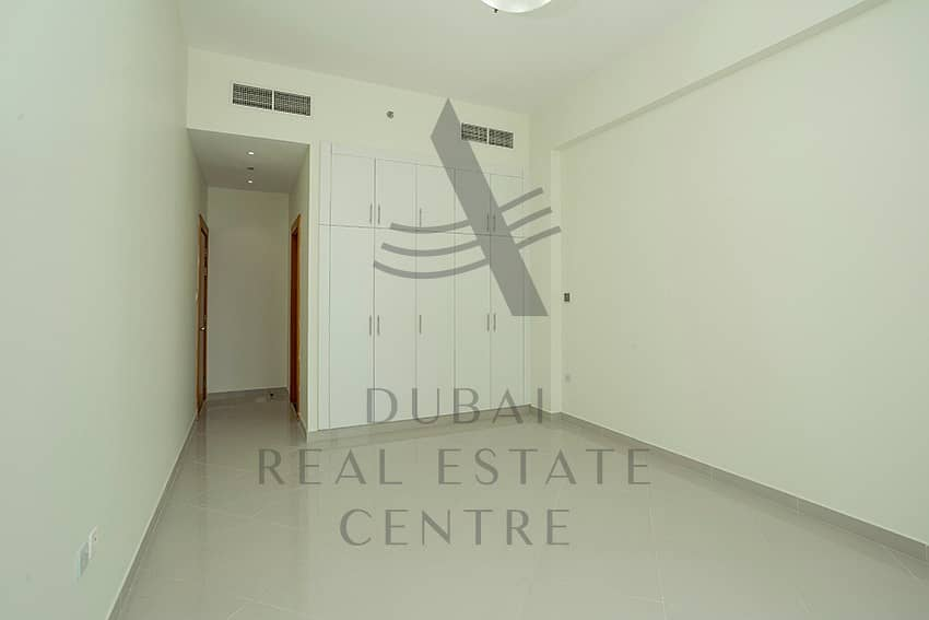 MODERN SPACIOUS 2BHK   NO COMMISSION  DIRECT FROM LANDLORD + 1 Month Move in