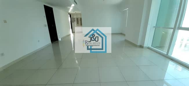 2 Bedroom Flat for Rent in Al Reem Island, Abu Dhabi - Luxurious 2 Bedroom Apartment W/Close Kitchen