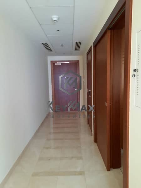 8 Stunning 1 BEDROOM Apartment @ Standpoint A