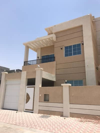 5 Bedroom Villa for Sale in Al Yasmeen, Ajman - Owners of luxury and good taste Villa for freehold