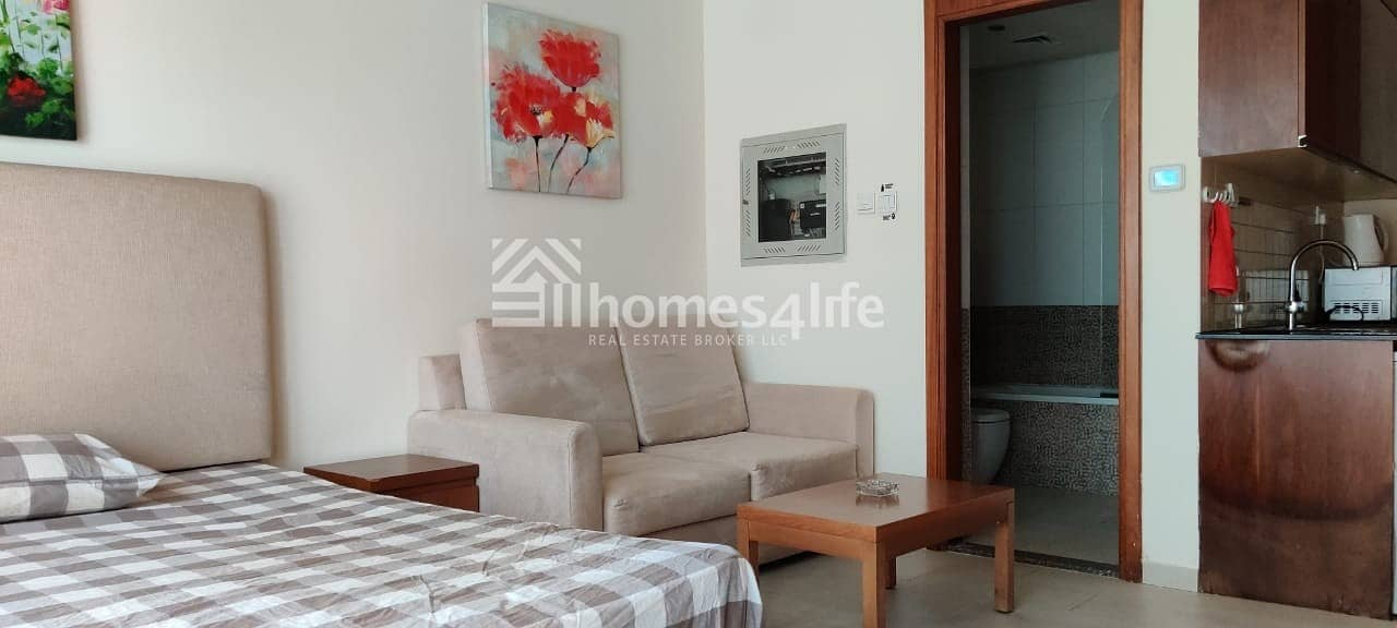 2 vacant and ready to move Beautiful fully furnished studio