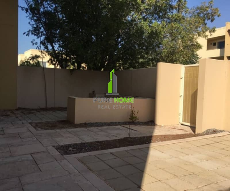 12 Elegant and Spacious | 3 Bedrooms Villa in a Geat Loaction for Rent