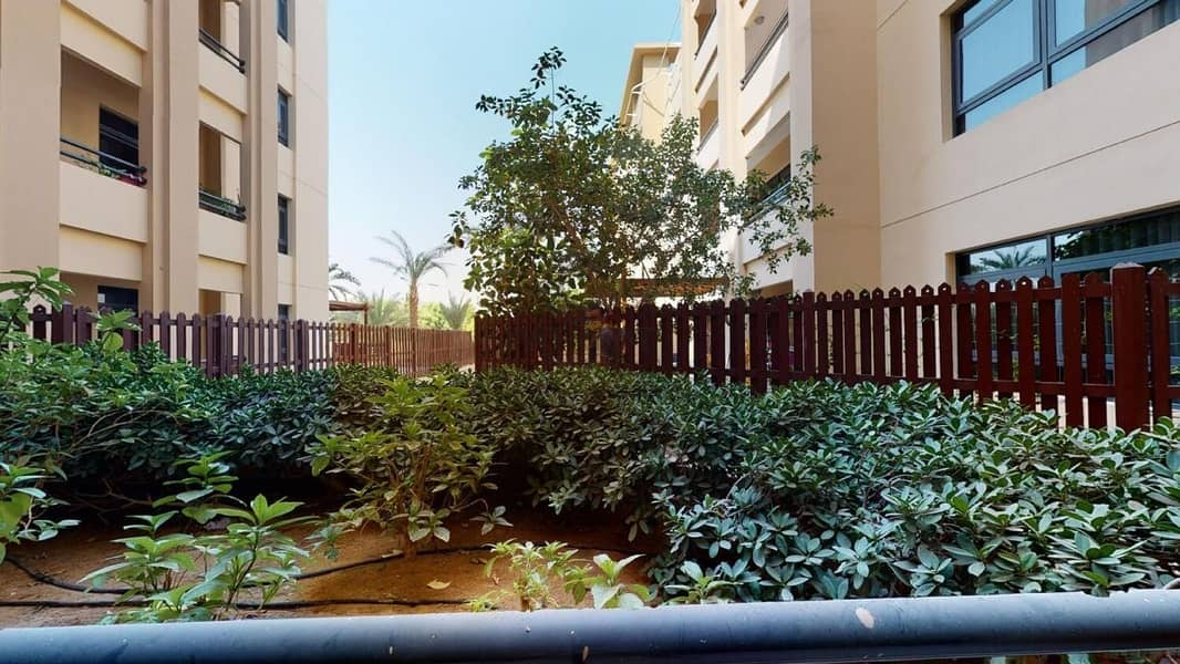 18 CHILLER FREE 2 BHK + STUDY  VIEWS 1 READY TO MOVE